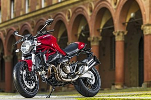 Ducati MOnster 821 2016 Wallpaper