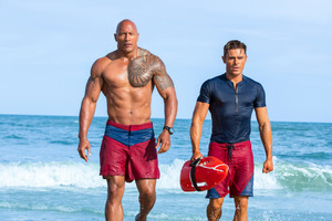 Dwayne Johnson And Zac Efron In Baywatch 5k