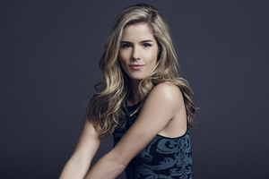 Emily Bett Rickards 2 Wallpaper