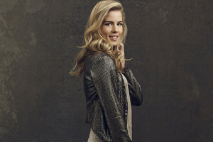 Emily Bett Rickards Wallpaper