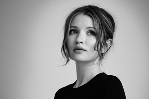 Emily Browning Wallpaper
