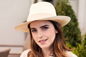 Emma Watson With Hat 4k
