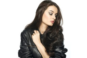 Evelyn Sharma 9