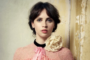 Felicity Jones Hd Wallpaper