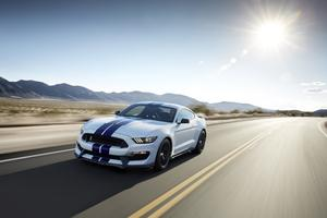 Ford Mustang Shelby GT500 2