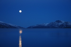 Full Moon Lake Mountains