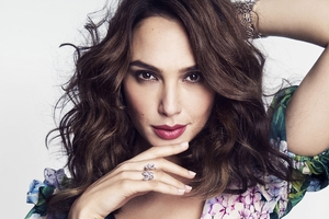Gal Gadot Marie Claire US 2017 Wallpaper