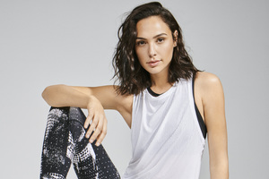 Gal Gadot Reebok 2018 5k Photoshoot Wallpaper