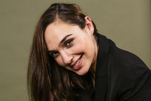 Gal Gadot Smiling 5k 2018 Wallpaper
