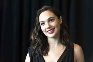 Gal Gadot Smiling 5k Wallpaper
