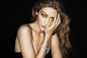 Gigi Hadid 8k Wallpaper