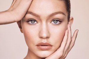 Gigi Hadid Maybelline 2017 5k Wallpaper