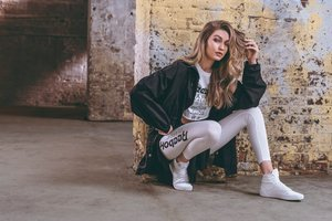 Gigi Hadid Reebok Be More Human Photoshoot 2018 Wallpaper