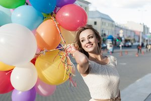 Girl Mood Smile Balloon Outdoors 8k Wallpaper