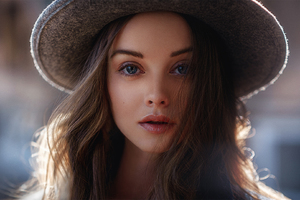 Gorgeous Girl Wearing Hat Wallpaper