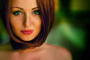 Green Eyes Girl Hd Wallpaper