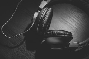 Headphones Monochrome Wallpaper