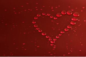 Heart Made Of Water Drops Wallpaper