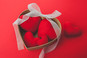 Heart shaped Red Ribbon Valentines Day Wallpaper