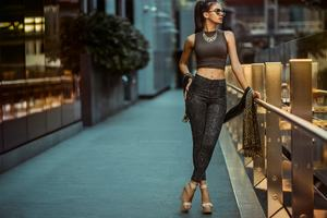 High Heels Urban Women Outdoors Wallpaper