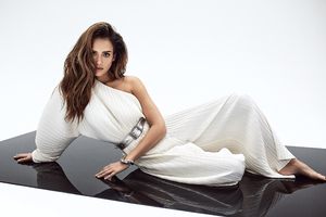 Jessica Alba For Mane Addicts
