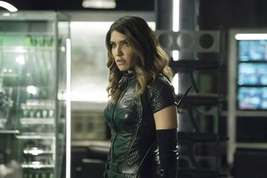Juliana Harkavy As Dinah Drake In Arrow Wallpaper