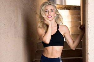 Julianne Hough 2018 Wallpaper