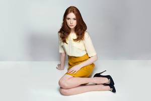 Karen Gillan Beautiful Actress Wallpaper