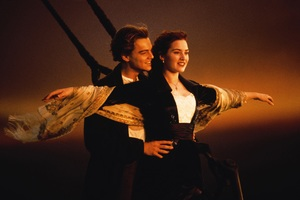 Kate Winslet Leonardo Dicaprio In Titanic Wallpaper
