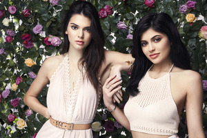 Kendall and Kylie Jenner Wallpaper