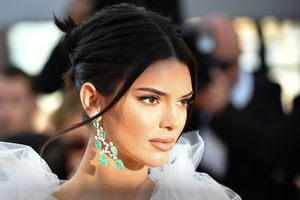 Kendall Jenner Girls Of The Sun Premiere Wallpaper