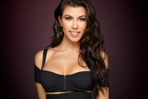 Kourtney Kardashian Keeping Up With The Kardashians Season 14 2017 Wallpaper