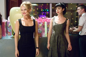 Krysten Ritter And Alice Eve In Shes Out Of My League