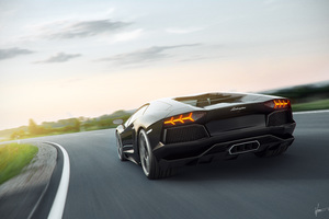 Lamborghini 8k Rear Wallpaper
