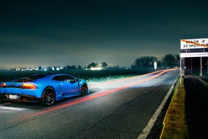 Lamborghini Light Trails