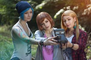 Life Is Strange Girls Cosplay 4k Wallpaper