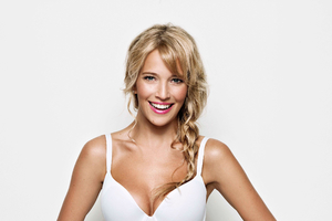 Luisana Lopilato 2016 Wallpaper