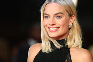 Margot Robbie Smiling 2018