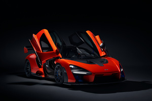 McLaren Senna Doors Up Wallpaper