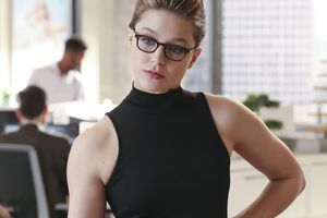 Melissa Benoist In Supergirl Wallpaper