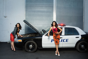 Melissa Fumero And Stephanie Beatriz Brooklyn Nine Nine Photoshoot Wallpaper