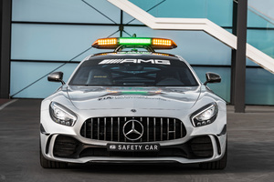 Mercedes AMG GT R F1 Safety Car 2018 Front Wallpaper