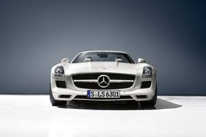 Mercedes Amg SLS Roadster Wallpaper