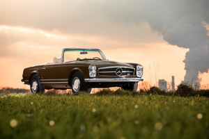 Mercedes Benz 280 SL 1968 Wallpaper