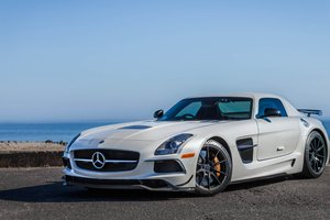 Mercedes Benz SLS AMG SuperCar