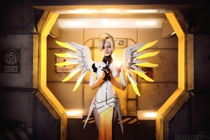 Mercy Cosplay Overwatch