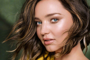 Miranda Kerr Harpers Bazzar China 2017 Wallpaper