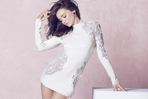 Miranda Kerr In White Dress Wallpaper