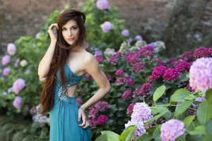 Model In Blue Dress Wallpaper