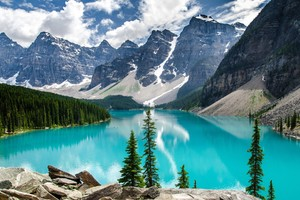 Moraine Lake National Park